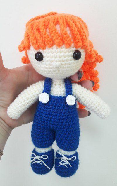 Julie patrón de la muñeca amigurumi