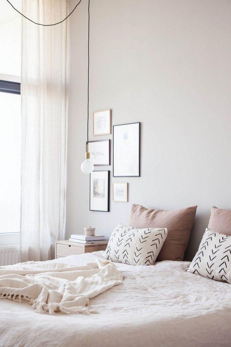 Graue und rosa Raumdekoration für einen ruhigen und weichen Innenraum