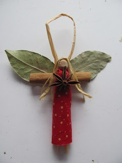 This unique angel craft is a beautiful and rustic handmade ornament idea. Decorate your Christmas tree with a great Christmas ornament craft.