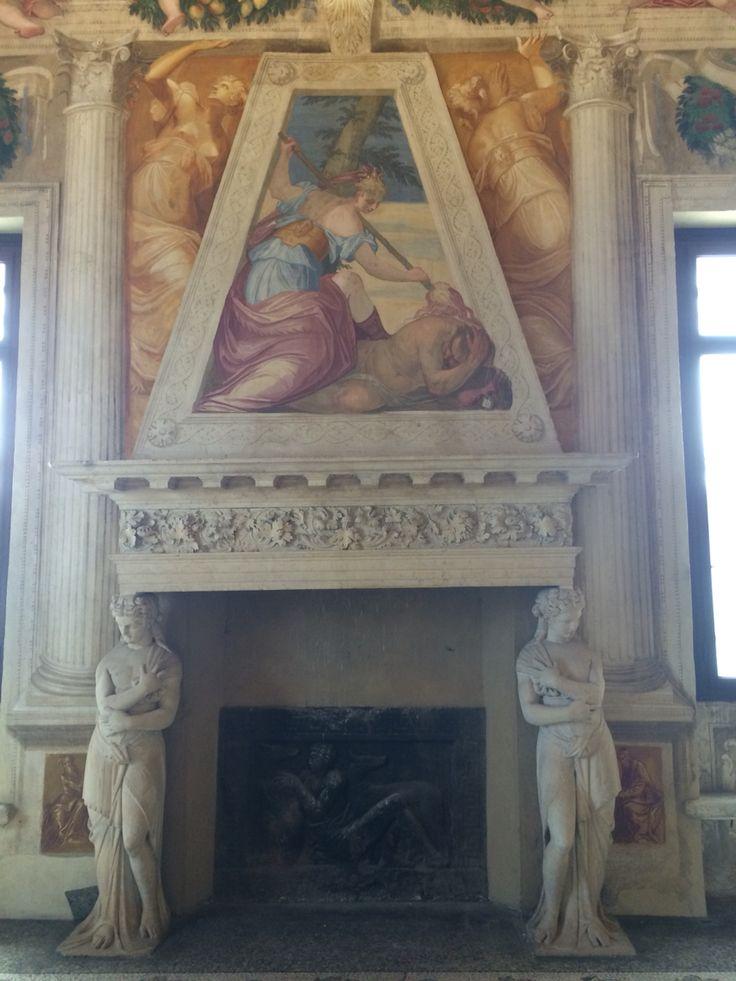 Buongiorno ☀️. Villa Caldogno(Vicenza). Affreschi di G.B Zelotti. Stanza di Scipione.
