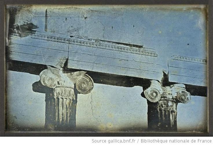 Athènes. T[emple] de Min[erve] Poliade. Chap[iteau]. 53 : [photographie] / Joseph Philibert Girault de Prangey - 1