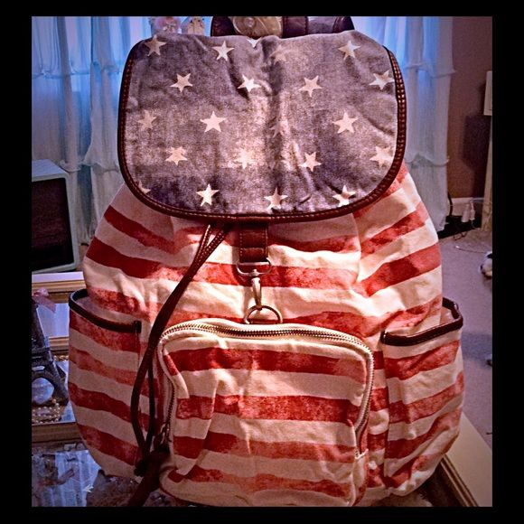 Aero xlg backpack NWOT Aero xlg Patrotic backpack brand new no tags Aeropostale Bags Backpacks