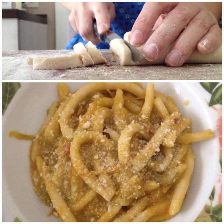 Pasta fatta in casa al sugo di pomodori verdi