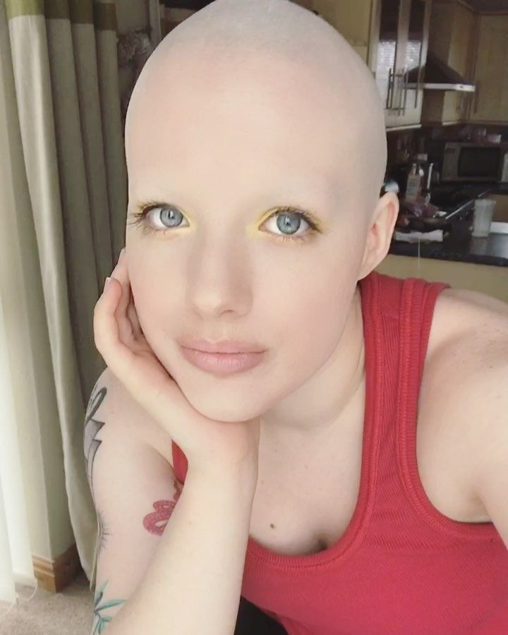 Bald fetish