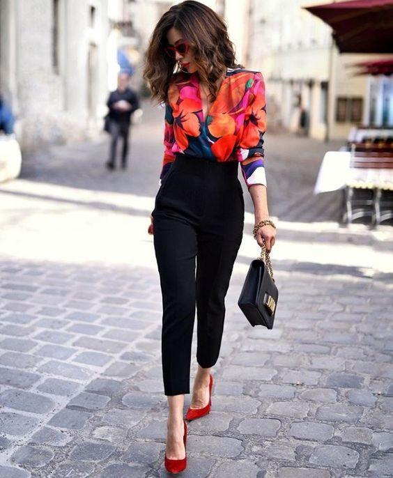 49ebdf39bc7c9 Ejemplos de looks elegantes para mujeres según su edad
