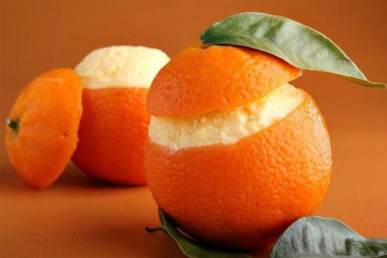 Recette d'oranges givrées au Thermomix TM31 ou TM5. Faites ce dessert en mode étape par étape comme sur votre appareil !