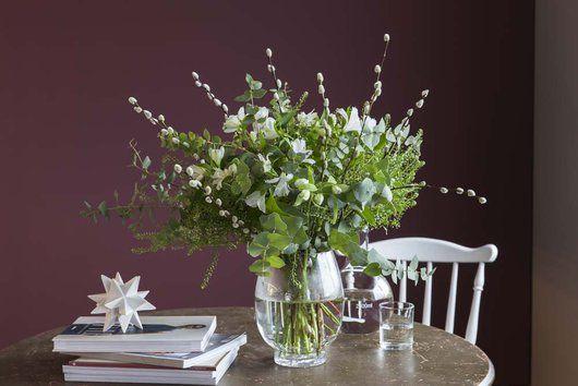 Frots i blomster fra vårt store sortiment av 3for2, som f.eks alstroemeria, gåsunger og sesongens grønt.