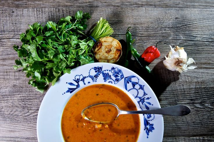 Papriková polievka s pečeným cesnakom