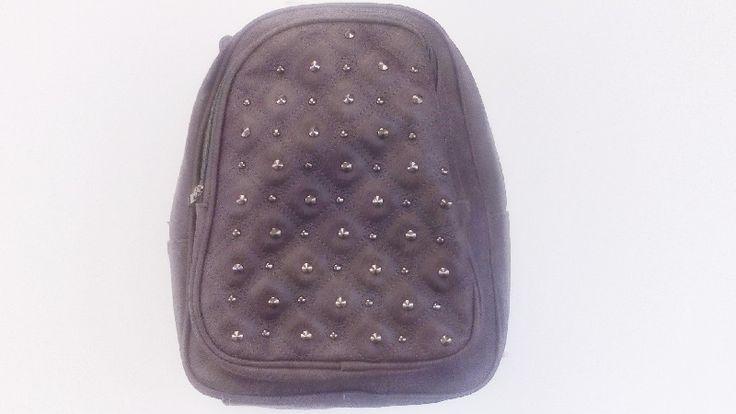Τσάντες χειμερινές πλάτης σε όλα τα μεγέθη στο http://amalfiaccessories.gr/bags/