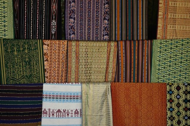 Learn to Weave at Sukarara Village | Famous Lombok Tourism