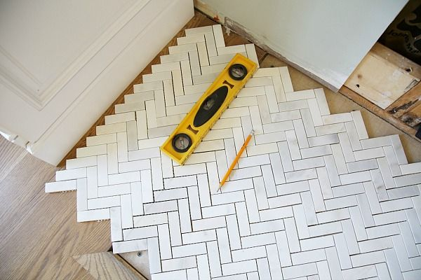 Dry laying tile
