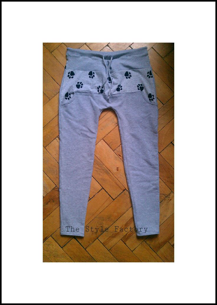 Baggy Pants heather gray and black feet // thestylefactory.pl //
