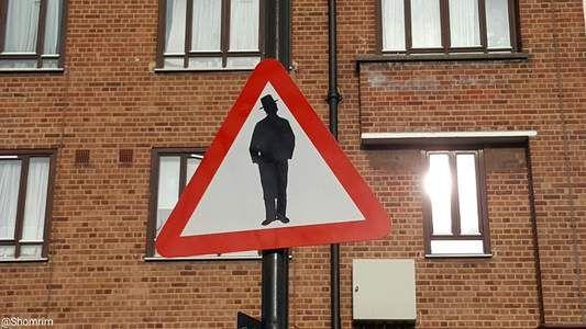 W Stamford Hill, dzielnicy Londynu stanął kontrowersyjny znak. Organizacja Shomrim zrobiła zdjęcie i umieściła je na Twitterze. Sprawa też została zgłoszona na policję przez przedstawicieli tej...