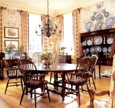Classic Country English With Windsor Chairs U0026 Blue U0026 White Porcelain, Very  Comfortable But Also Lovely. Beautiful Homes And Interiors: Interior Design  Of ...