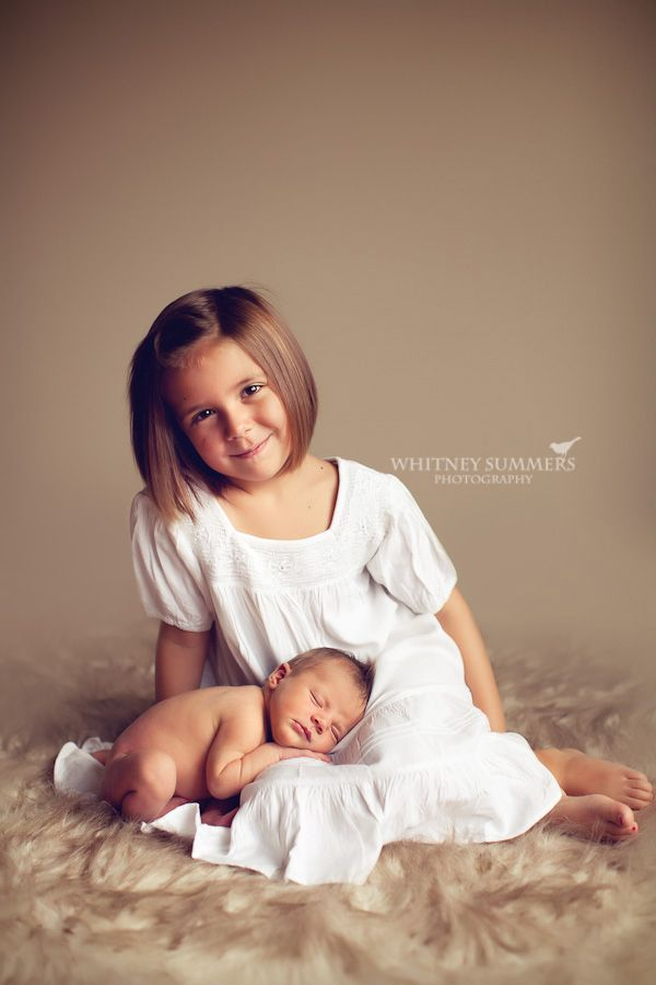 Newborn And Siblings Photo Ideas