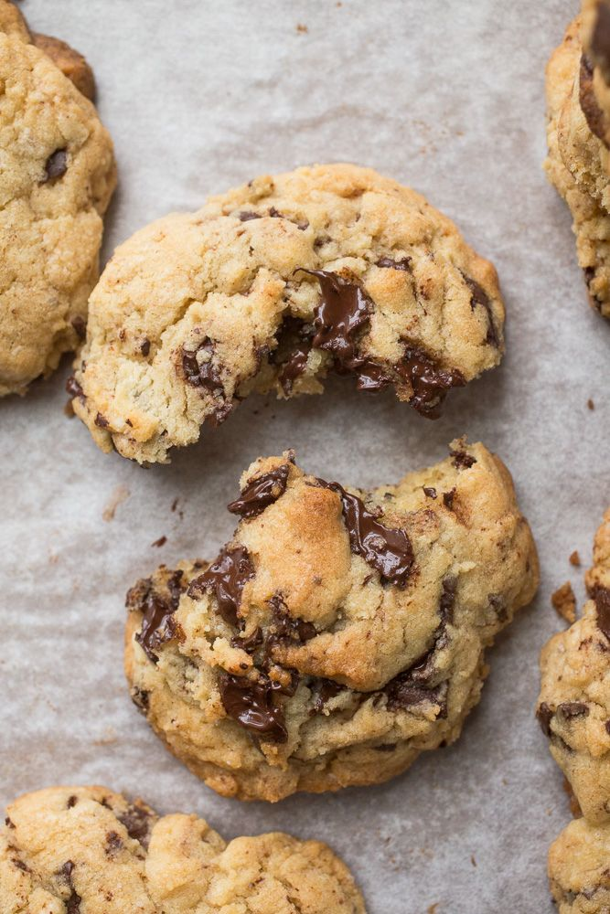 Levain Copycat Giant Dark Chocolate Chunk Cookies {chocolate chip cookies using cold butter= cookies anytime!)