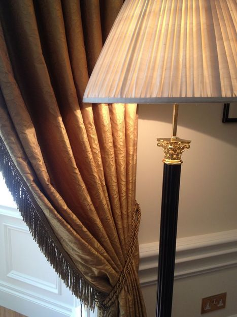 Classic upholstered curtains & tieback, silk lampshade on corinthian column floor-lamp - A Mayfair Apartment by Quinton Design Ltd, London