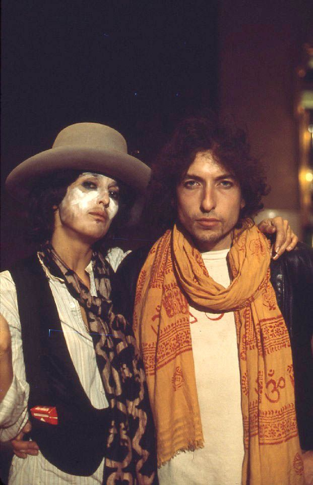Bob Dylan and Joan Baez on The Rolling Thunder Revue. Photo by Ken Regan.    This is everything.