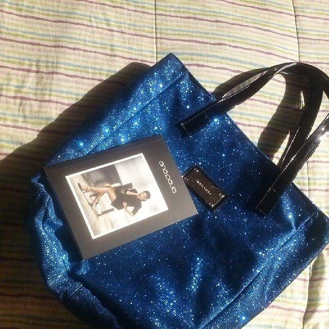 É hora de brilhar! Olha que glamour essa bolsa da Calçados Ana Paula. Obrigada pelo presente!