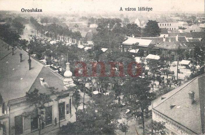 Régen - jobb alsó sarok a temetkezési vállalat, balról a kupolás épület a Hangya volt