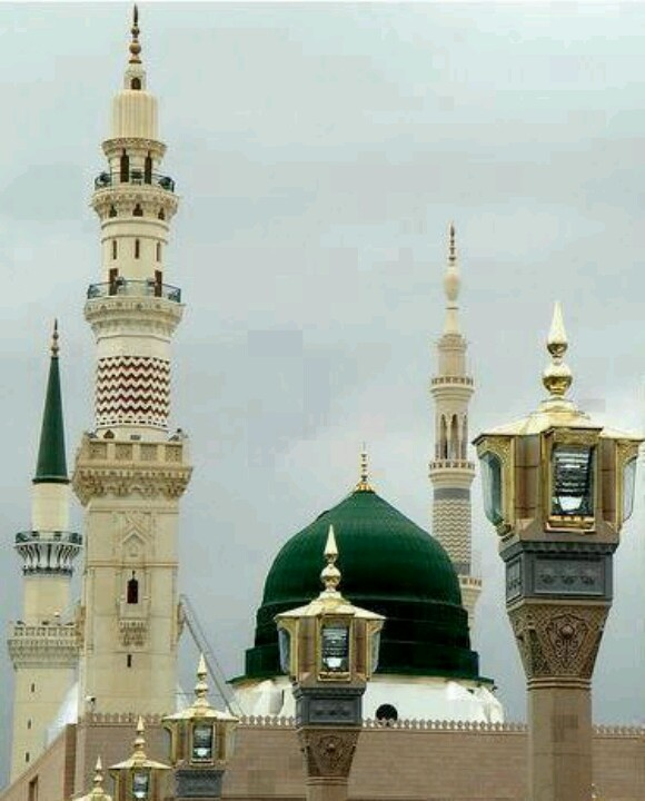 To live with my family near to this beautiful house of Allah..One of my dreams..Masjid.nabawi, Madina