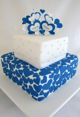 "Wedding Cakes Sydney - Classic Cakes  ""OMG""  Love Heart ~n~ What a Beautiful Color!  Luv it"