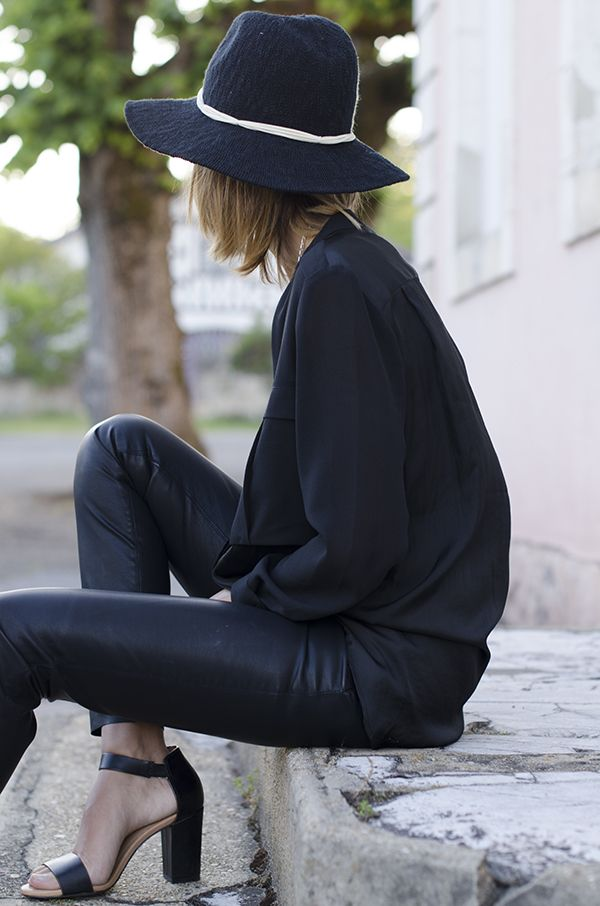 PEG — Loose chiffon button down, leather skinnies, wide-strapped (and chunky-heeled!) sandals. And a floppy hat. All in black. Yes.