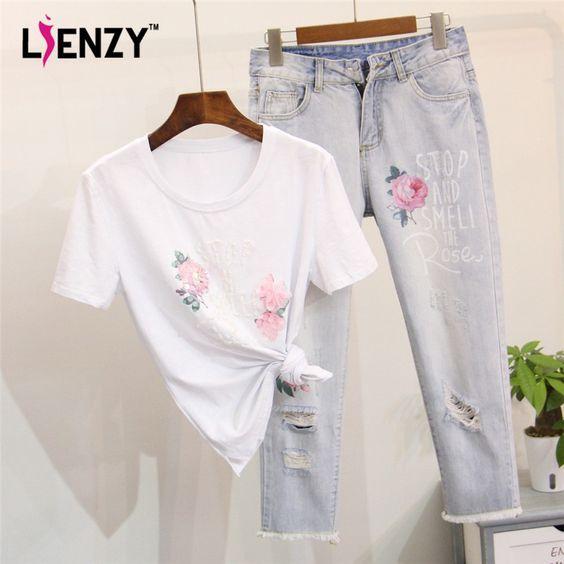 US $63.99 -- Lienzy летние женские джинсы комплект из 2 частей белая футболка Цветочный принт письмо из бисера и легкие джинсы с принтом роз rippes кисточкой Женщины костюм купить на AliExpress