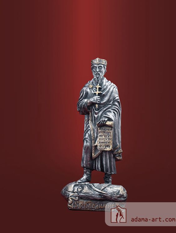 Св.князь Владимир (053t) Чернёное олово Высота статуэтки: 83мм Скульптор: Андрей Рогачев, Антон Садик