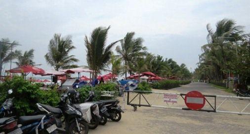 Paved Footpath To Walk Comfortably - Paved Beachfront - Legian Beach, Bali