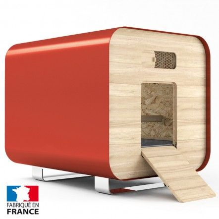 Chicken coop designed and manufactured in France. Poulailler design entièrement conçu et fabriqué en France.