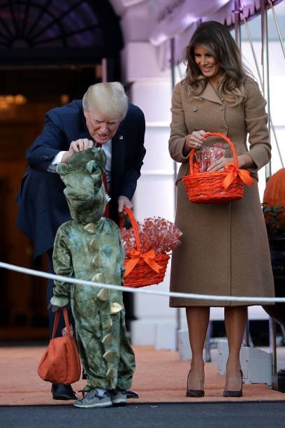 Halloween speed dating pictures melania and donald