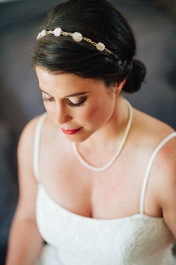 Bridal Styling with red lips at Chiemgauhof #bridalstyling #hairstyling #wedding #redlips #bride #hochzeit #brautfrisur #munich #münchen #chiemsee #chiemgauhof #lipstick #redlipstick