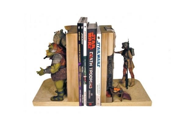 Star Wars Jabba's Palace Bookends        A set of bookends with scenes from Jabba the Hutt's palace      Featuring Princess Leia (disguised as Boushh), Han Solo in Carbonite, Boba Fett and Gamorrean guard      The perfect bookends to feature your Star Wars books and DVDs      True-to-film details with intricate, handpainted details      Hand-numbered limited edition      Perfect collectible gifts for Star Wars lovers      Design: Gentle Giant