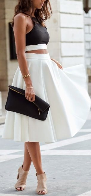 street style / black and white + crop top