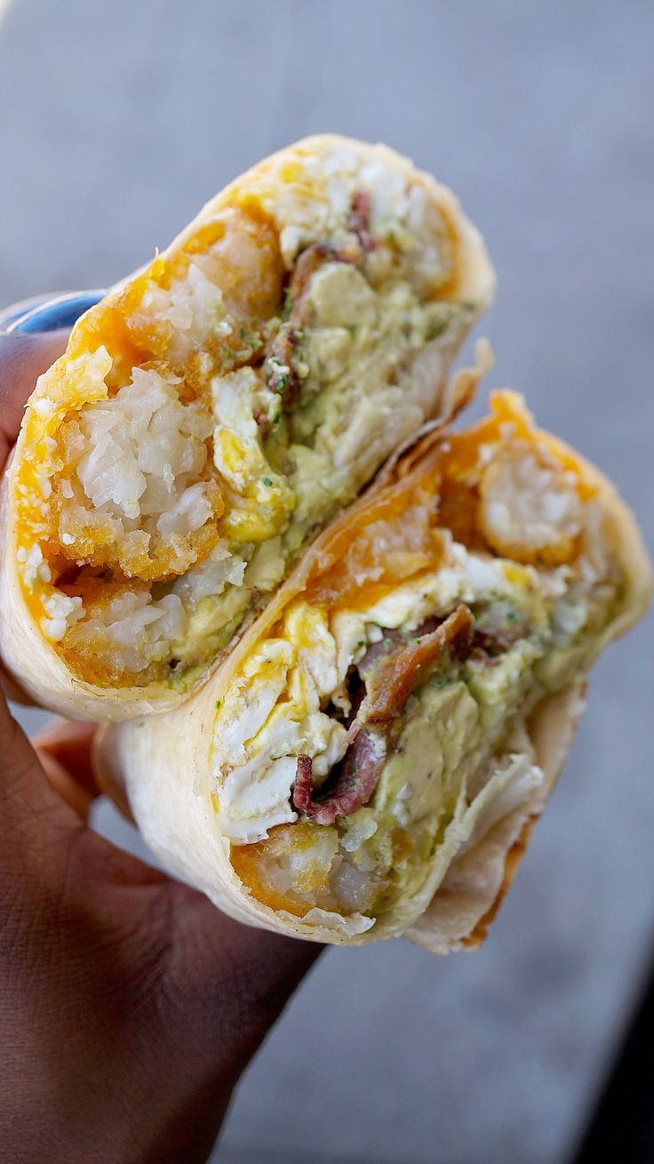 Looking for a delicious breakfast burrito in LA? The you have to check out The Rooster truck! To see why I love their burrito so much go to FollowMyGut.com! #FollowMyGut #foodie #foodblogger #restaurant #LA #LosAngeles #foodtruck #foodnetwork #hollywood #eater #eatinla #wheretoeat #breakfast #burrito #breakfastburrito