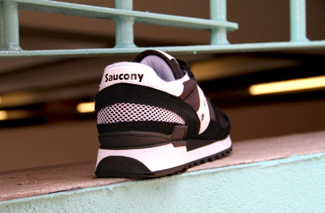 SAUCONY BLACK SHADOW TRAINERS