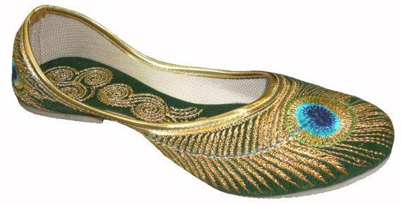 Handmade Velvet Mojari Beautiful Peacock Embroidery Work, handmade, green, velvet, ships worldwide from Inda