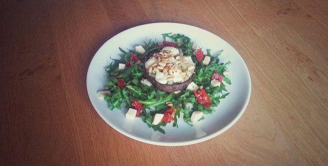 Lekker vegetarisch: portobello met zachte kaas.
