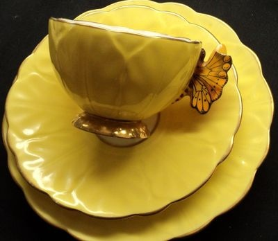 Aynsley BUTTERFLY HANDLE Lemon Yellow simplytclub Tea cup and saucer PLATE A/F