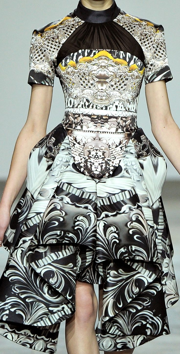 Le A la Mode — dionysossgarten: Mary Katrantzou Collections  fw...