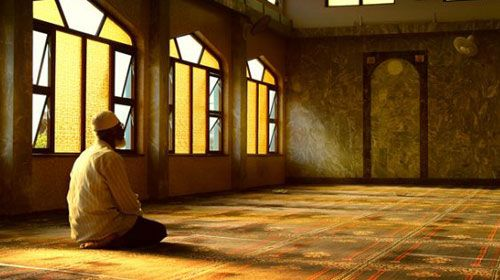 PintuLedeng.com – Diantara rangkaian ibadah di dalam bulan suci Ramadhan yang senantiasa dipelihara dan dianjurkan oleh Rasulullah SAW adalah i'tikaf. Setiap muslim disunnahkan untuk beri'tikaf di masjid, terutama pada 10 hari terakhir bulan Ramadhan. Selanjutnya: http://pintuledeng.com/membudayakan-itikaf-di-bulan-ramadhan/
