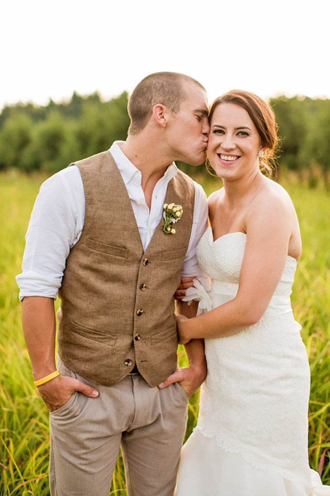Waistcoats, suspenders, caps and jeans all combine to achive rustic groom attire. Check this out to see what you could wear for country weddings!