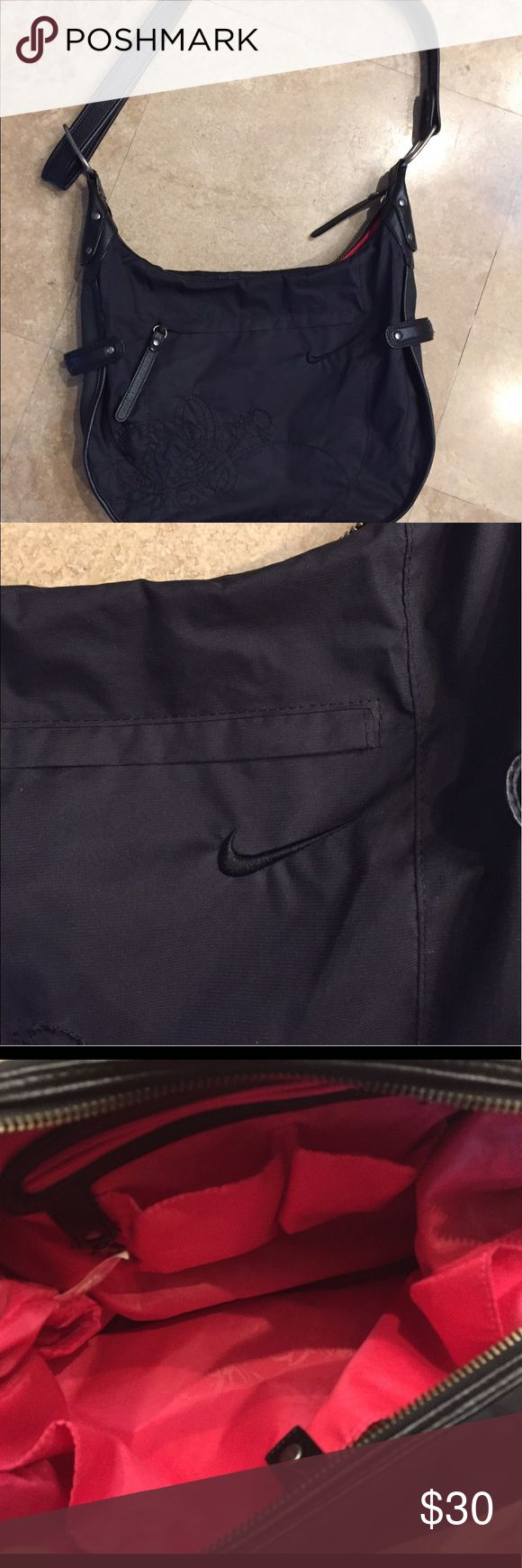 Nike bag Nike bag with strap hardly used very clean Nike Bags Shoulder Bags