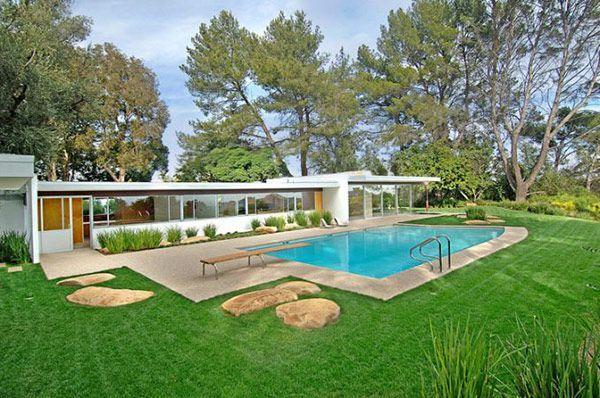 Win Lotto....Buy Singleton House designed by Richard Neutra | Plastolux