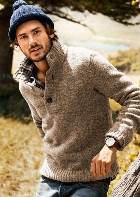 Here I am being Yankee again... I LOVE these sweaters on guys . My boo would look great