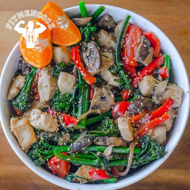 Happy #MealPrepMondayS! What's for #dinner this week? When in doubt and in need of variety, make chicken & veggie stir-fry! It's easy AND you can customize it by adding your favorite veggies and source of protein. Plus, it's a great way to avoid packaged stir-fry products which tend to be high in sodium and preservatives. All you need to add is quinoa or brown rice (if desired). Click the link in my profile to get the recipe or go to FitMenCook.com. Tag someone who loves stir-fry. Boom…