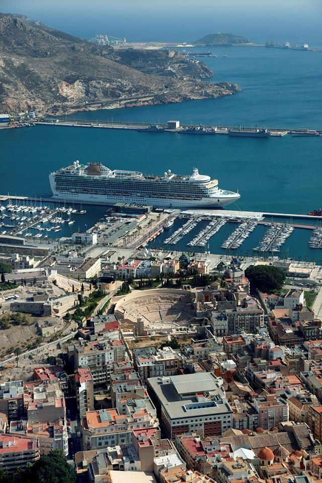 Cartagena, Spain El Puerto de Cartagena está situado en la ciudad de Cartagena. Es capitanía de la provincia marítima de Cartagena y está gestionado por la Autoridad Portuaria de Cartagena (Organismo Público Puertos del Estado, Ministerio de Fomento de España).