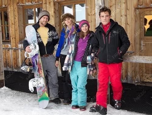 Jobs Abroad: a Guide to Working a Ski Season – The Well ...