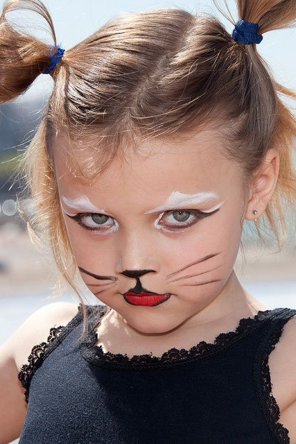 halloween simple kitty cat face for the kids who wont sit still - Cat Face Makeup For Halloween